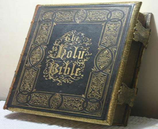 A bíblia foi devolvida cerca de quatro décadas depois de ter sido roubada
