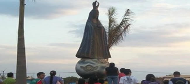 Em abraço coletivo, moradores de Águas Lindas apoiam a imagem de Nossa Senhora Aparecida