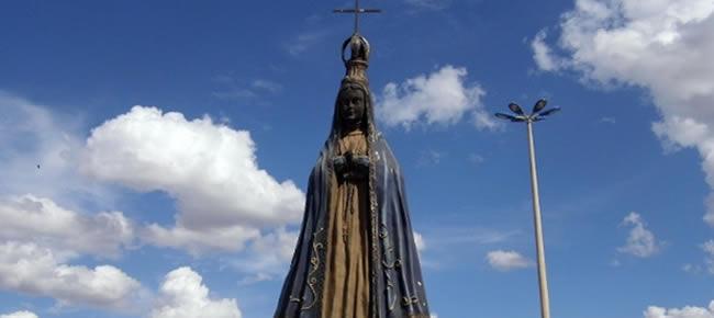 Pastor quer retirar imagem de Nossa Senhora Aparecida em Águas Lindas de Goiás (cidade goiana que fica no entorno do Distrito Federal)