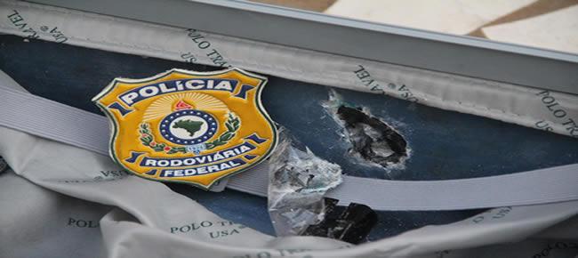 A droga estava no forro da mala e somou somou quase 9 quilos de cocaína – Foto: Alexandre Lima