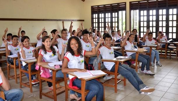 Hoje o ensino infantil, fundamental e médio é oferecido em todos os municípios do Acre (Foto: Mardilson Gomes)