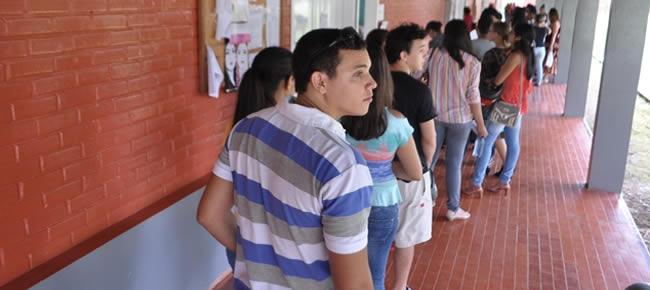As provas do concurso também são aplicadas nos municípios e em escolas da capital.