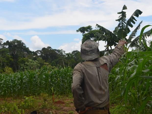 Após 16 anos como vereador, Raimundo resolveu largar tudo novamente e voltar para a Reserva Chico Mendes (Foto: Yuri Marcel/G1)