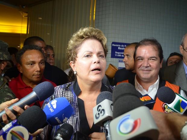 Dilma garantiu a construção da ponte sobre o Rio Madeira (Foto: Yuri Marcel/G1)