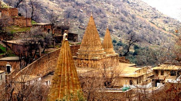 Templo em Lalesh, na província de Nínive, no norte do Iraque, é local de peregrinação para os yazidis
