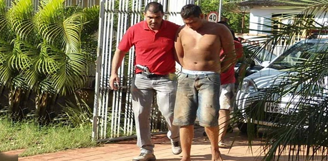 Chegada dos acusados na delegacia de Xapuri