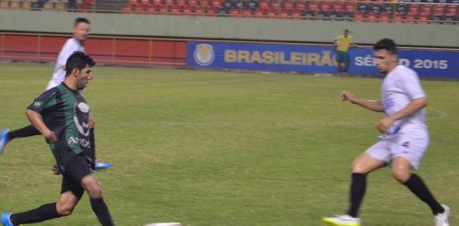 Geovani elogiou atuação do time na final diante da Adesg, o que segundo ele, garantiu o título (Foto: Murilo Lima)